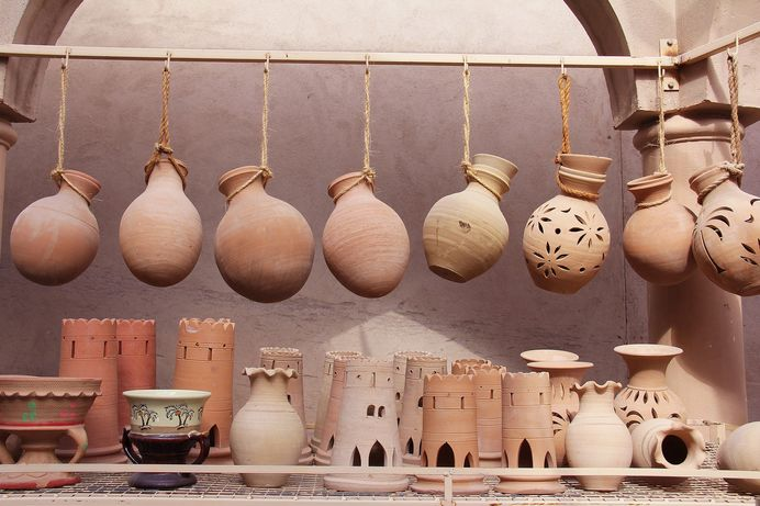 Essential things to know before buying souvenirs on vacation especially at abroad