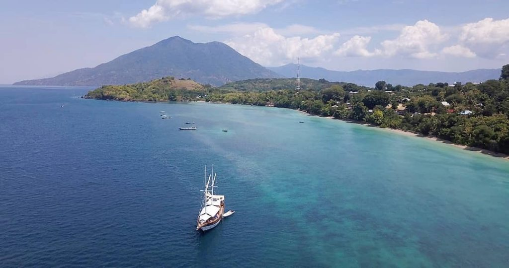 Why You Should Go with Liveaboard Labuan Bajo This Summer