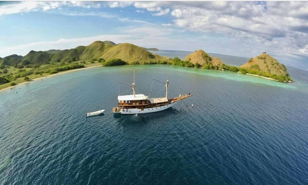Open Water Certification for Diving from Komodo Liveaboard