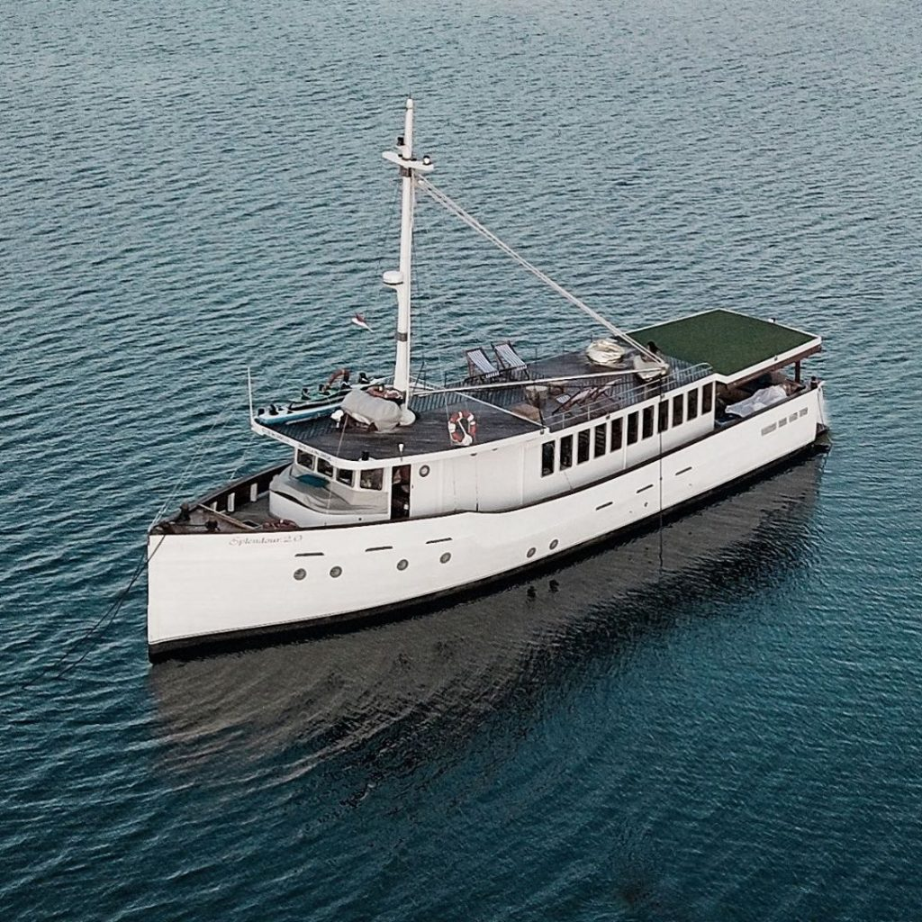 Komodo Luxury Liveaboard Tips for Big Family Vacation